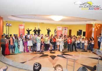 ADALBERTO MACIAS – Rumbo a Uruguay – Desfile de Modas